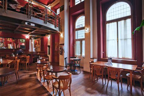 Globe Bookstore & Café - Prague.eu