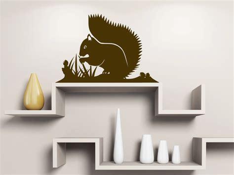 Wandtattoo Kinderzimmer Eichhörnchen by Wandtattoo Eichh 246 Rnchen Auf Der Wiese Wandtattoos De