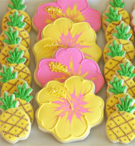 decorate cookies cookie decorating how to make pretty hibiscus cookies