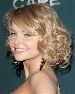 Edgy Bobs, Messy Locks and Glamorous Curls Top 15 Medium Wavy Hairstyles EverAfterGuide