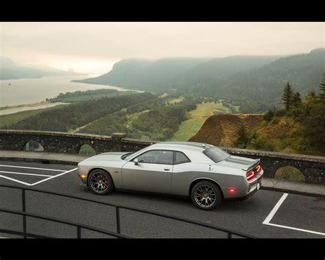 Dodge Challenger Srt 392 Hemi And Srt Hellcat 2015