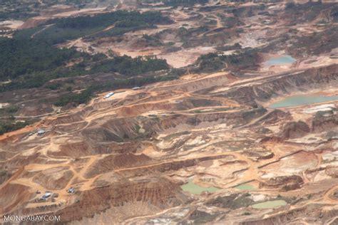 mining trucks  equipment   rio huaypetue gold