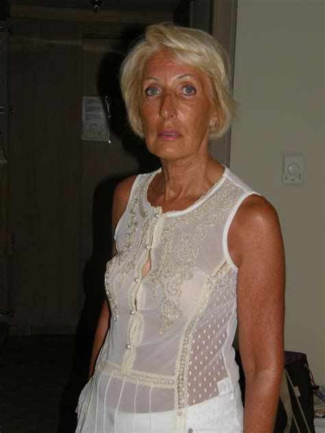 Amateur A French Granny Exposed High Definition Porn Pic
