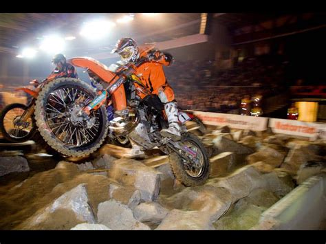 taddy blazusiak snatched victory  rodeo  endurocross
