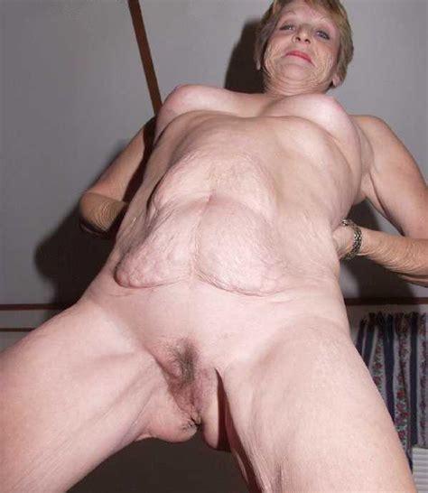 Blonde Mature Hottie Using A Vibrator And Masterbating