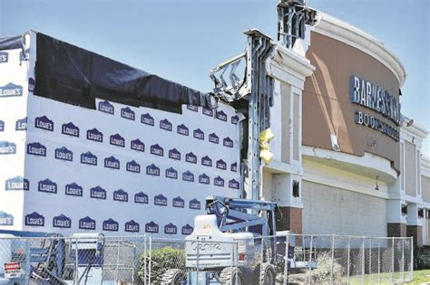 Barnes & Noble To Reopen Arena Hub Plaza Store By
