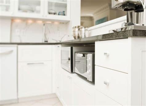 rangement etagere cuisine astuce rangement malin pour une cuisine fonctionnelle