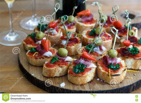 m and s canapes pinchos tapas spanische canapes parteifingerfood