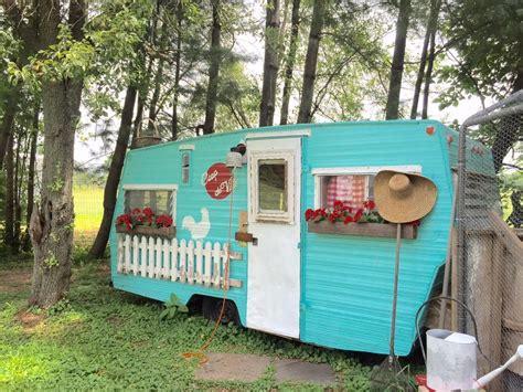 vintage camper exterior   travels plan