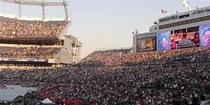 Denver Light Rail To Broncos Game Football Stadiums Top 10 Us Football Stadiums We Love