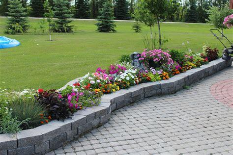 Garden Stone Wall - Keystone Products