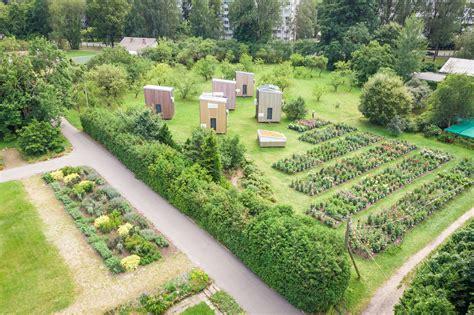 LU fotoarhīvs. Latvijas Universitātes Botāniskais dārzs.