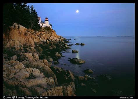 picturephoto bass harbor lighthouse moon  reflection