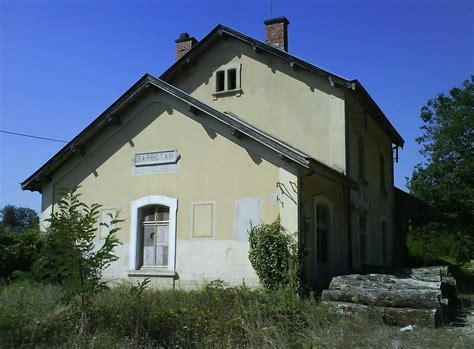 ancienne gare de barbotan photo de mont de marsan gabarret pour la relance des voies