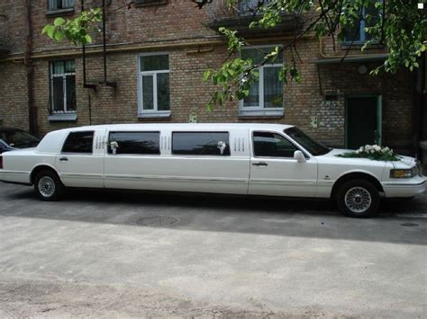 New Limousine Car by Best 25 Limousine Car Ideas On Buy Mercedes