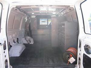 2005 Ford Econoline Cargo - Pictures