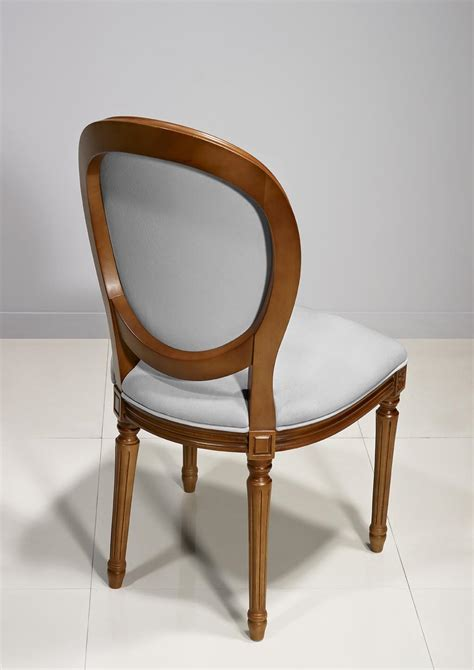 chaises merisier chaise emeline en merisier massif de style louis xvi