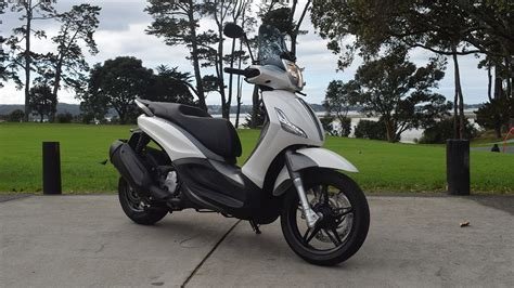 Piaggio Beverly 2019 by 2019 Piaggio Beverly 350 Sports Tourer Review