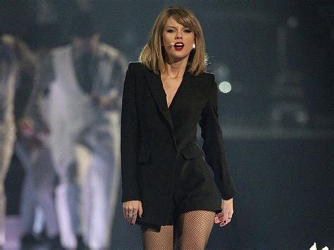 Taylor Swift drops highly anticipated album Reputation ...