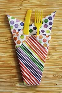 Servietten Falten Bestecktasche : 25 einzigartige servietten falten einfach ideen auf pinterest servietten falten servietten ~ Frokenaadalensverden.com Haus und Dekorationen