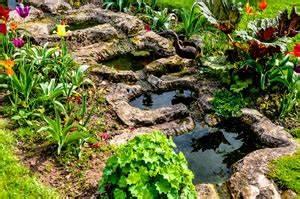 Gartenteich Mit Bachlauf : bachlauf anlegen pflanzen und gestaltung mit und ohne teich ~ Buech-reservation.com Haus und Dekorationen