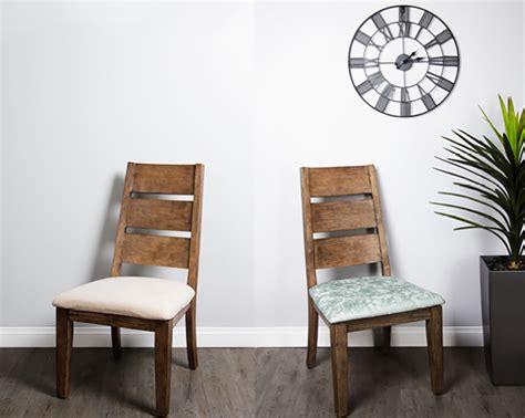 comment capitonner une chaise comment recouvrir une chaise tissus