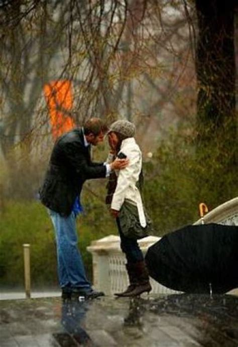 romantic proposal   rain  pics izismilecom