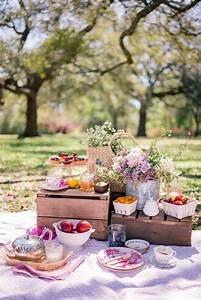 Romantisches Picknick Ideen : pin von nojwa auf picknick ideen romantisches ~ Watch28wear.com Haus und Dekorationen