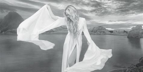 Avril Lavigne Teases Clip Of Upcoming Single,