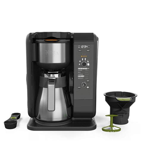 When switching between brewing a full pot, travel mug, or single cup of coffee, a slight alteration of the ninja coffee bar's lighted dial quickly switches between all options. Amazon.com: Ninja Hot and Cold Brewed System, Auto-iQ Tea and Coffee Maker with 6 Brew Sizes, 5 ...