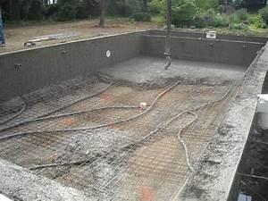 construire piscine beton construction de piscines en b With lovely comment installer une piscine hors sol 5 construction de piscines en beton dur tout budget