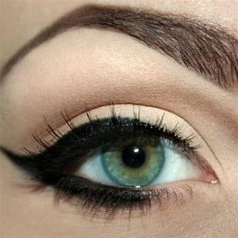 Подчеркиваем красоту миндалевидных глаз с помощью макияжа