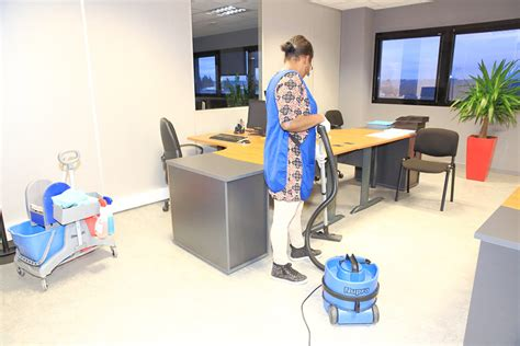 fourniture bureaux accueil seguigne ruiz entreprise de nettoyage