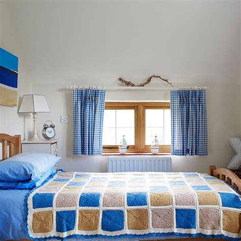 Boy Bedroom Decorating Ideas Uk by Boy S Blue Country Bedroom Decorating