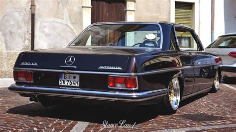 From wikimedia commons, the free media repository. Just beautiful. Lowered Mercedes Benz W114 coupe | Voitures classiques, Modèle de voiture ...