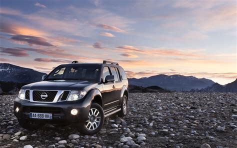Nissan Navara Hd Picture by 2011 Nissan Pathfinder And Navara Wallpapers Hd