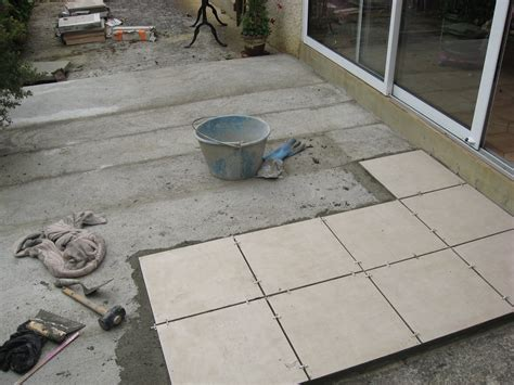 Carreler Une Terrasse by Comment Commencer Pour Carreler Une Terrasse