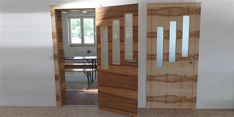Moderne Zimmertür Aus Satine Nuss Und Ahorn