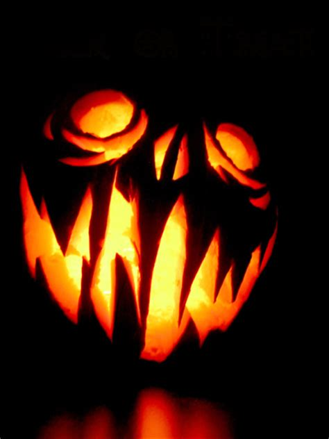 scary pumpkin carving horror illustrated pumpkin carvings