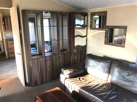 pre owned  willerby winchester flower