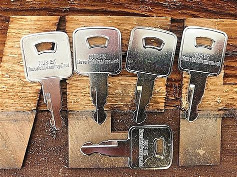 keys  rc   kubota mini excavator skid steer loader svl maverick advantage