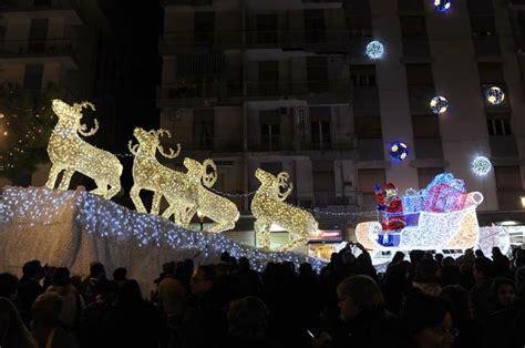 Salerno Illuminazioni Natalizie by Gaeta Come Salerno Di Natale Artistiche Per