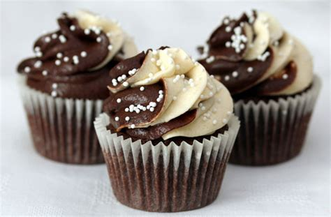 baileys cupcakes recipe goodtoknow