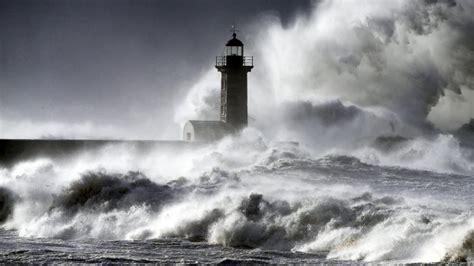 schwere unwetter  portugal und spanien vermischtes