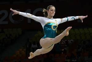 19th commonwealth games day 2 artistic gymnastics zimbio for Indian gymnastics floor music