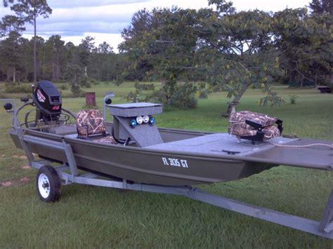 Custom Jon Boat Trailer by 55181d1343098726 Jon Boat Jb Starboard Bow Jpg 662 215 496