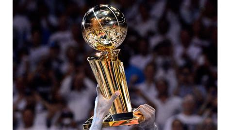 Lakers win 17th NBA title with dominant Game 6 effort ...