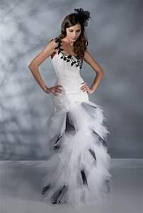 Robe De Mariée Noire : robe de mariee blanche et noire ~ Dallasstarsshop.com Idées de Décoration