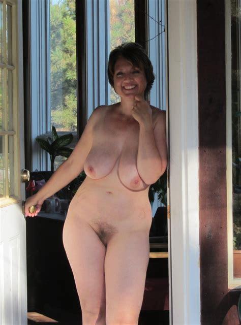 Horny Wife Flashing Her Big Hairy Bush Pornhugocom