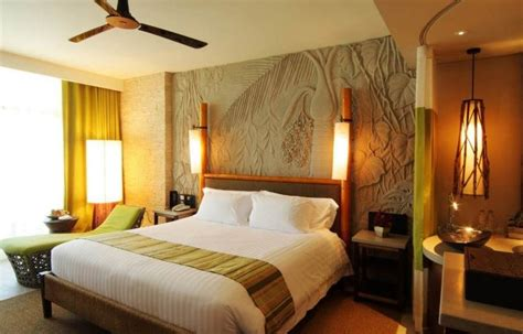 Design A Small Master Bedroom  Bedroom Decorating Ideas